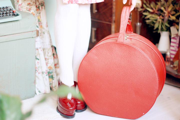 red hatbox a