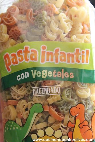 Pasta con calabacin, gambas y tomate (3)