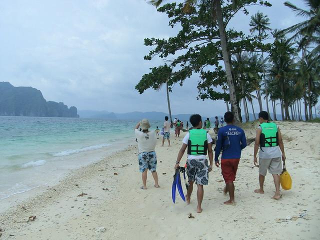 Arrival in Pinagbuyutan Island