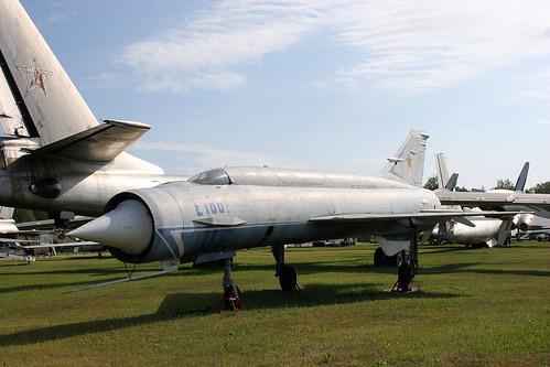 Mikoyan-Gurevich Ye-152M E166 blue