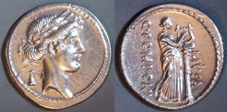 52BC 410/2b Q.POMPONI MVSA Pomponia Denarius. Apollo lyre-key, Muse Calliope. Rome. A superb example.