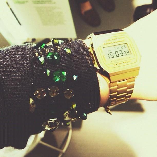 #BLINGBLING #casio #shiny #jewel #gemstones #harakka en voi mitään sille että kaikki kimaltava kiinnostaa....