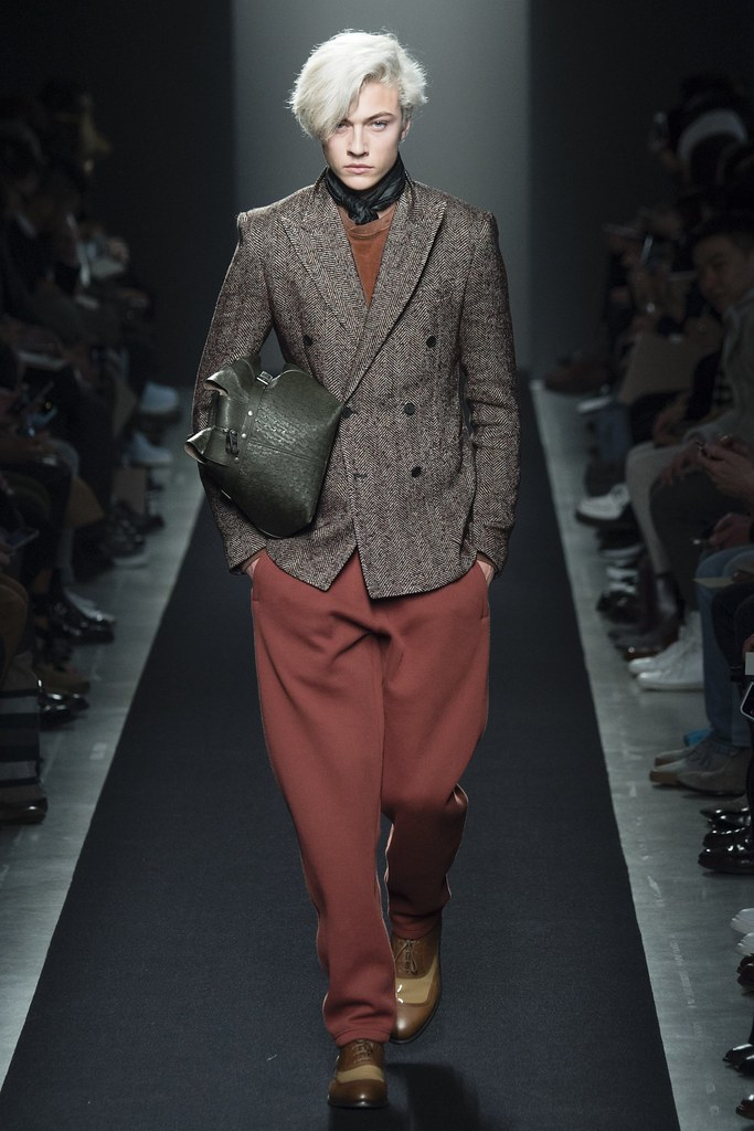 FW15 Milan Bottega Veneta005_Lucky Blue Smith(VOGUE)