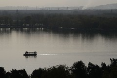 Boat heads across Kunming Lake