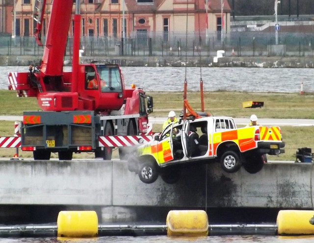 LCY Ops vehicle recovery (5) @ KGV 21-02-15