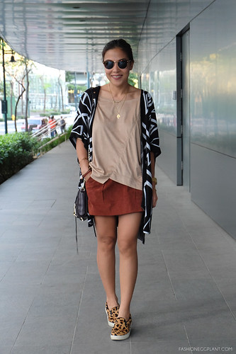 SUEDE OUTFIT STREET STYLE