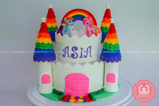 Little Pony Cake by Gracelle Tello of Memmy Bakes