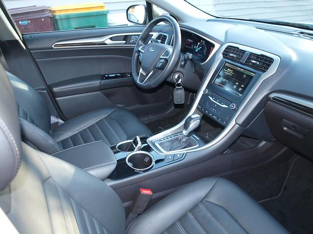 2013 Ford Fusion SE 17