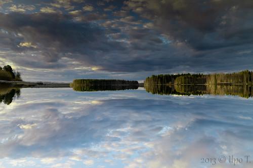 sky lake reflection tree clouds canon mark 5d tamron vesi pilvet järvi heijastus taivas 2875 peilikuva