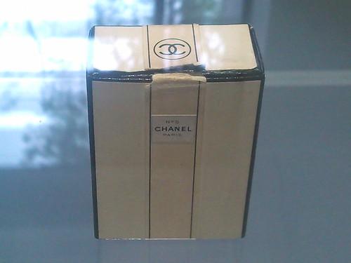 Chanel No 5 1920s box