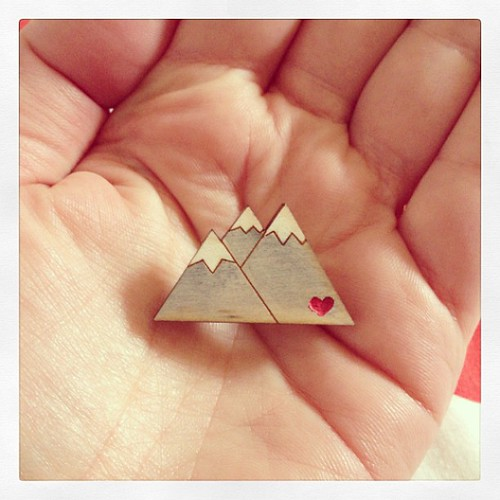Tiny mountain brooch