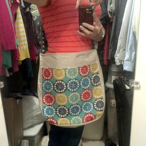 Cross body #supertote finished! Pay no attention to my messy closet please :)
