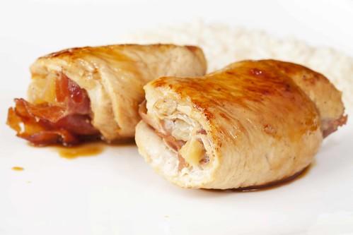 Rotllets de pollastre, pinya i bacó 2