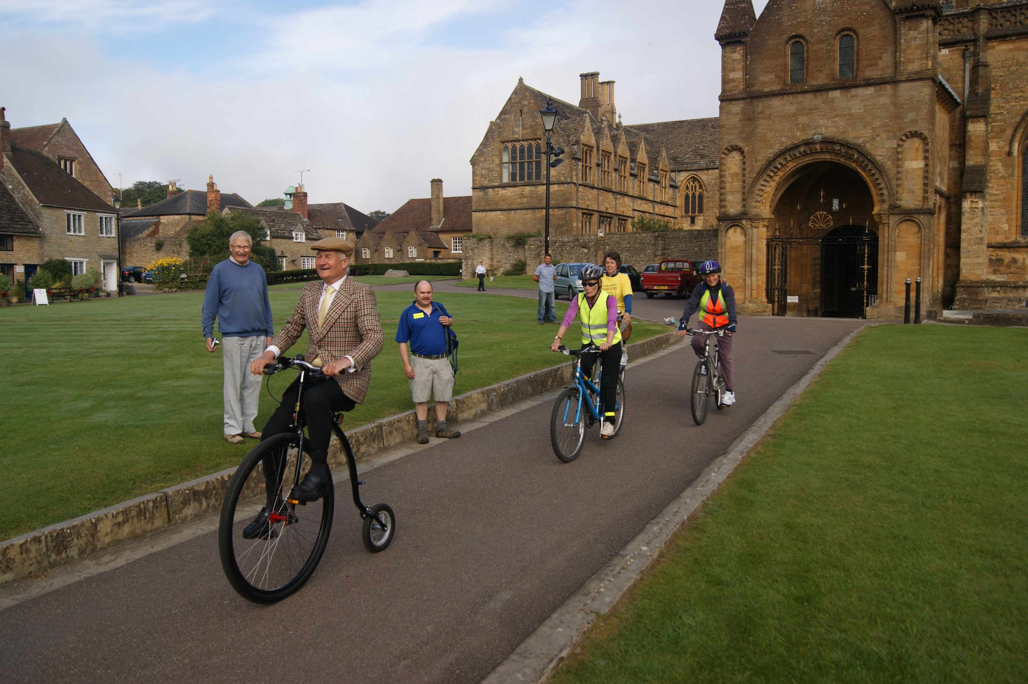 Dorest's Sherborne Ride+Stride team head out