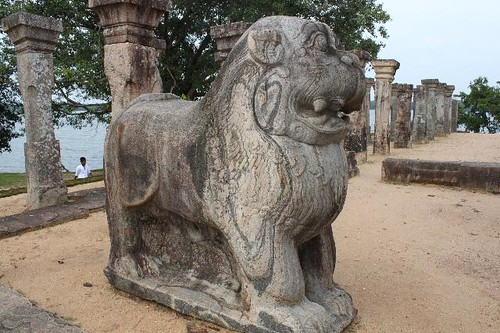 20130113_6962-lion-throne_Vga