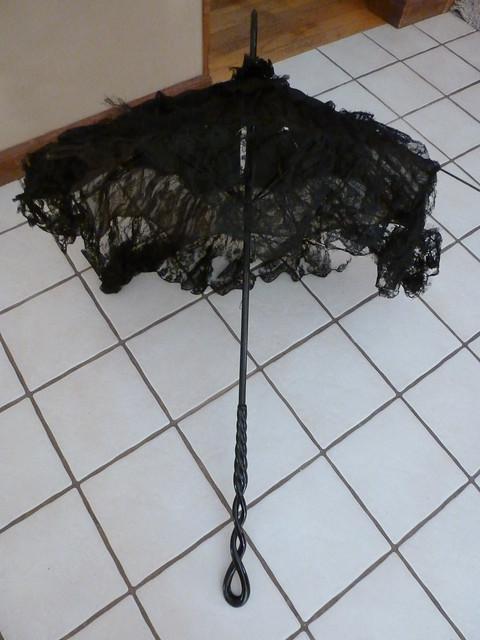 black lace antique parasol 3