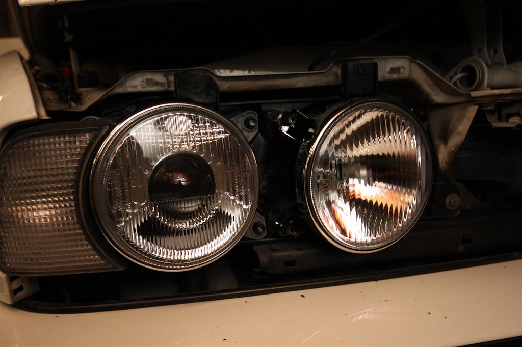 TSX HID projector retrofitted BMW Headlights - Bimmerfest
