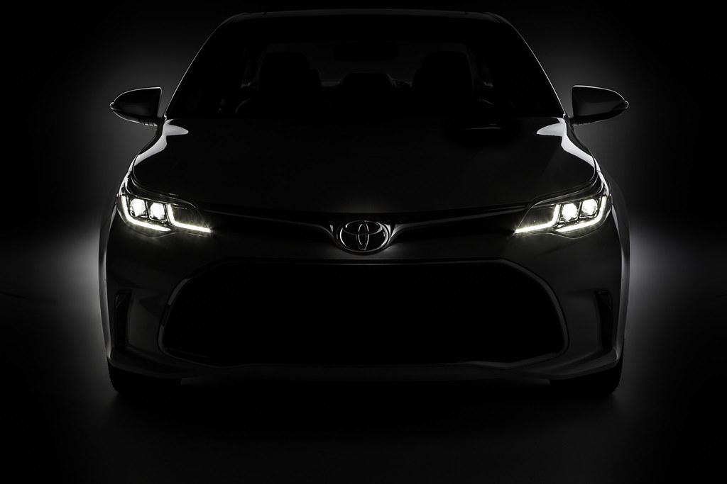 Toyota teases 2016 Avalon