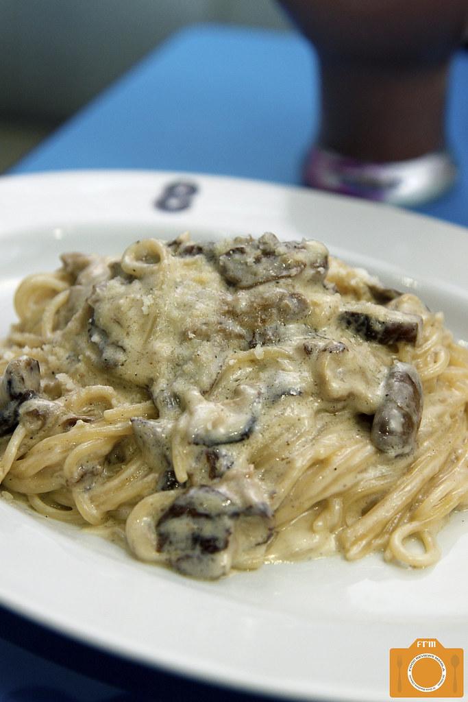 8 Cuts Creamy Shrooms Spaghetti