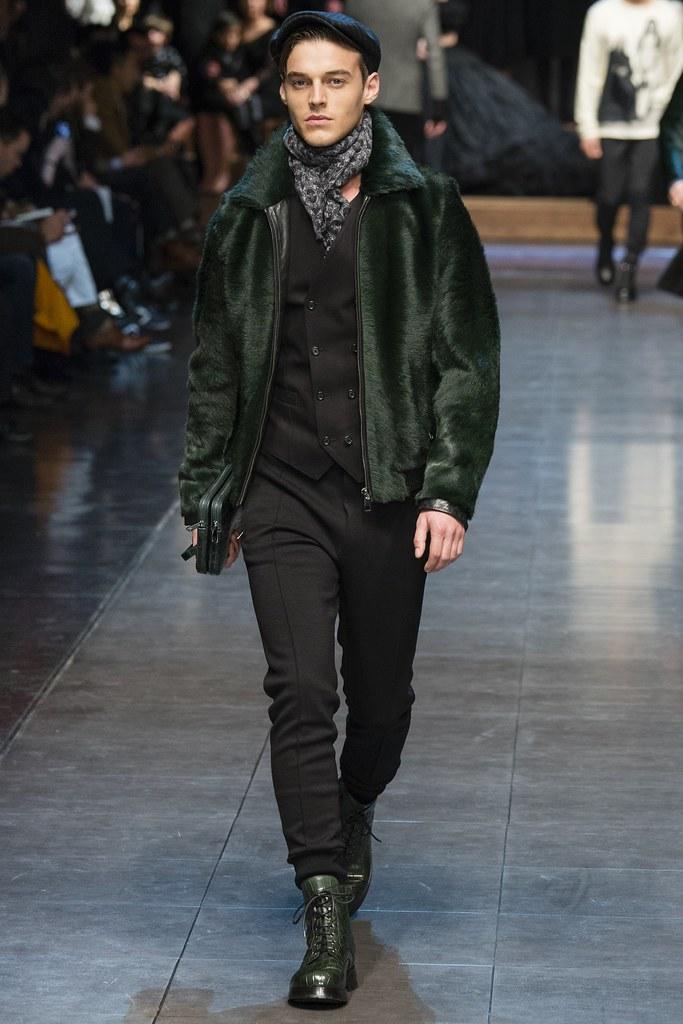 Robbie Wadge3710_FW15 Milan Dolce & Gabbana(VOGUE)