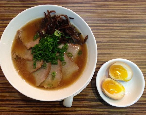 ramen-recipes-tonkotsu-ramen-japanese-noodles-ramen-kanbe-charsiu