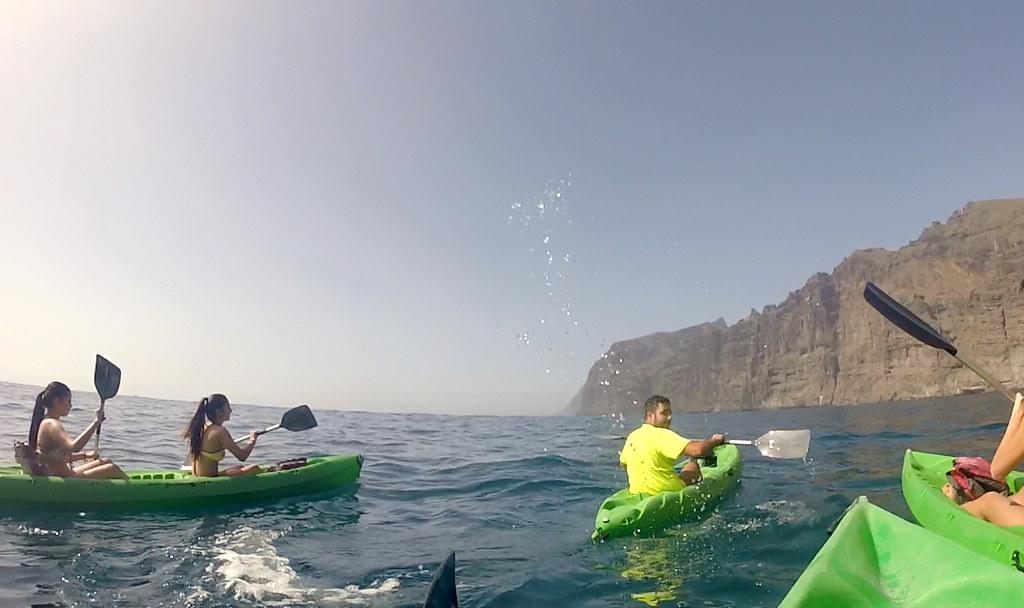 kayak en los acantilados de Los Gigantes