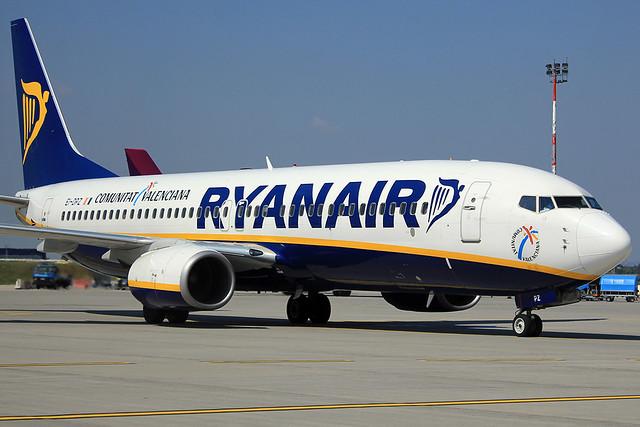 Autópálya-pótló járatokat indíthat az Alitalia és a Ryanair