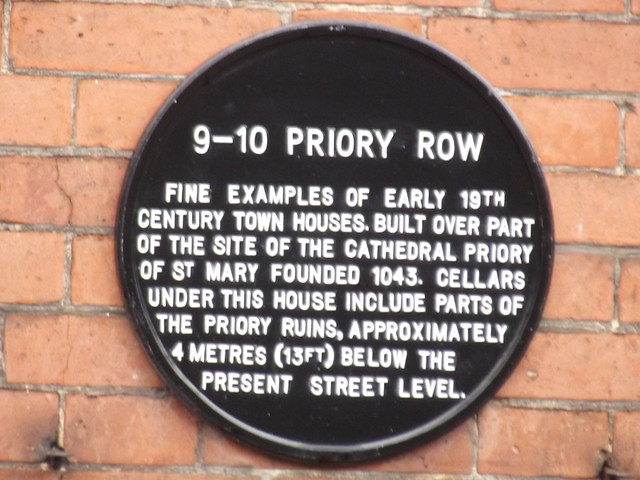 Photo of 9-10 Priory Row black plaque