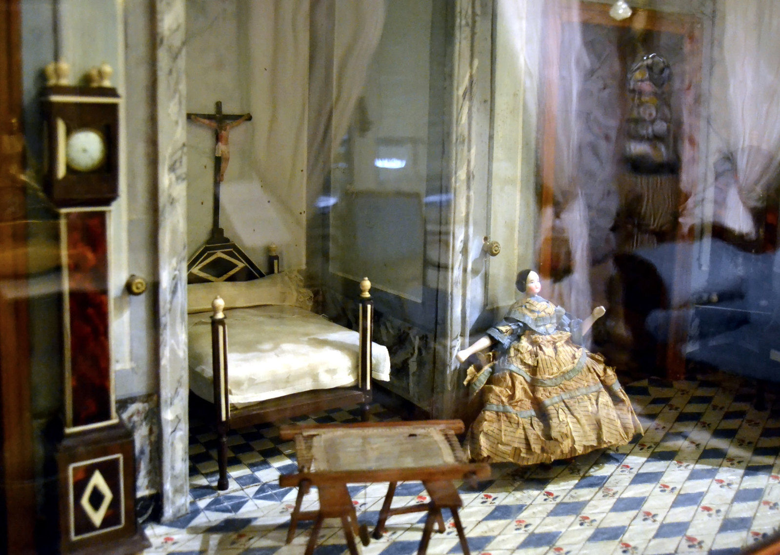 19th-century Dollhouse. Credit Joanbanjo2