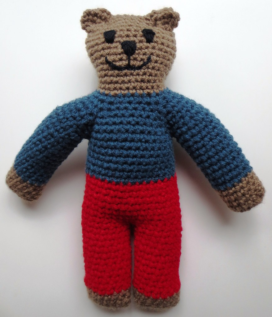 Ravelry: Tall Bear with Bag Amigurumi pattern by J.A. Poolvos | 1024x876