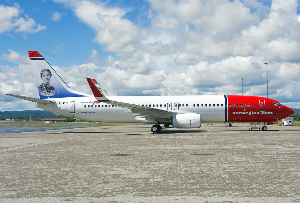 EI-FJS - B738 - Norwegian Air International
