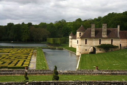 Domaine of Villarceaux (Val d'Oise) The French garden and the manor house of Ninon