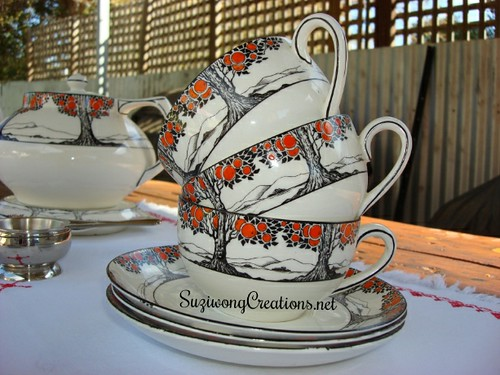 Orange Tree tea cup & saucer stack