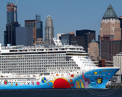 NORWEGIAN BREAKAWAY Cruise Ship, Hudson River, Manhattan, New York City