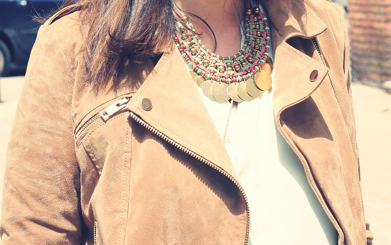 Look green shirt + ethnic necklace - monicositas