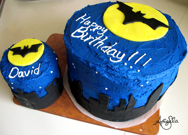 how to make a batman cake at home
