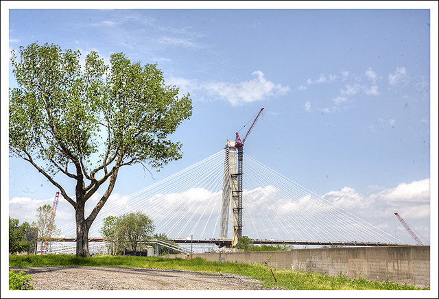 New Mississippi Bridge 2013-05-11 1