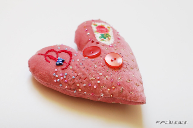 Embroidered Heart glitter side