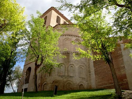 Abside y torre de la Iglesia de Bobadilla del Campo