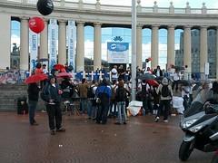 #autoexplotacion creus dels damnificats amb explotació i atur sector del metall davant #salonauto per CGT Metall