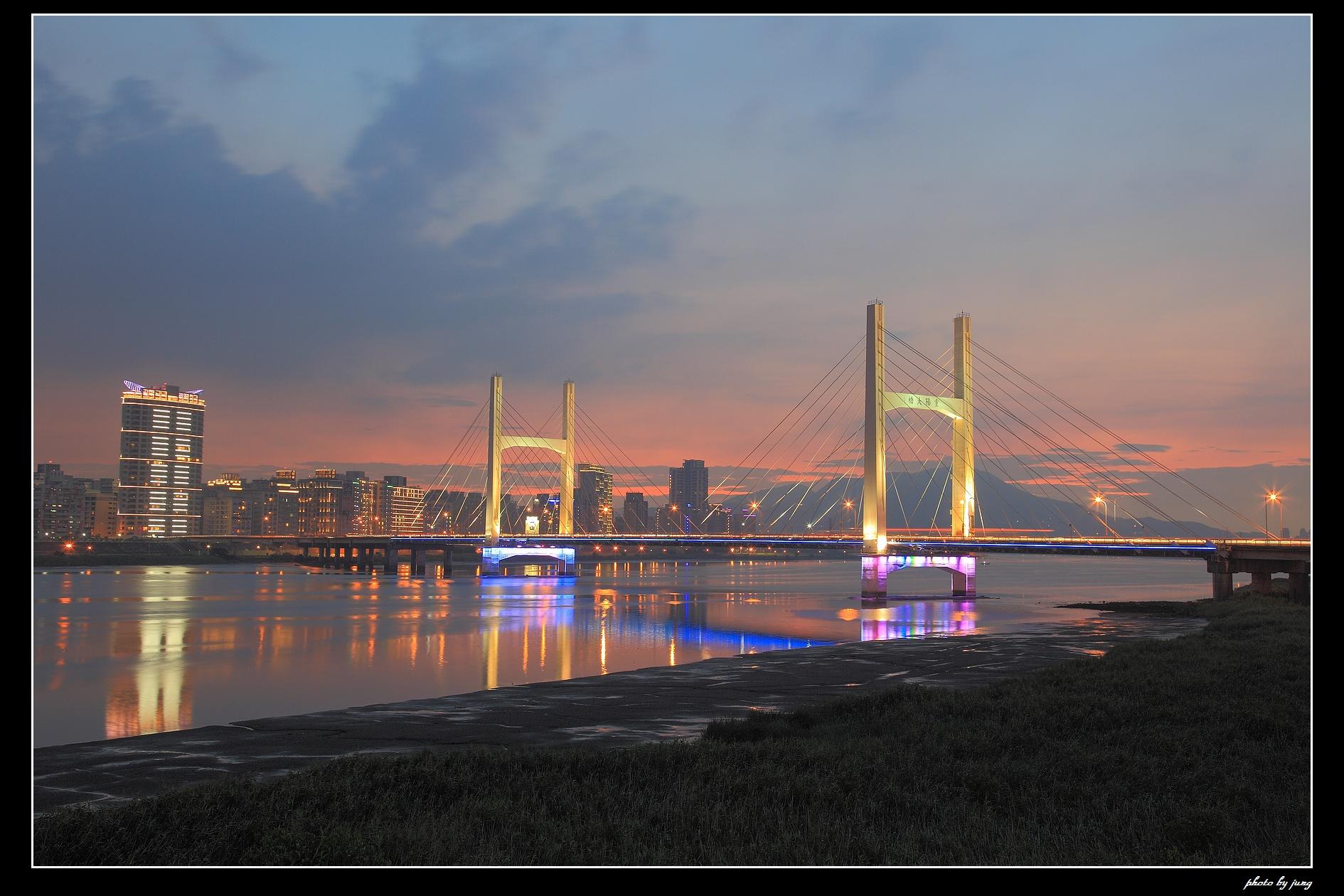 重陽橋夜之風華