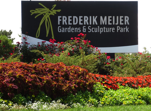 Tom 39 s travel blog the frederik meijer gardens and - Frederik meijer gardens and sculpture park ...