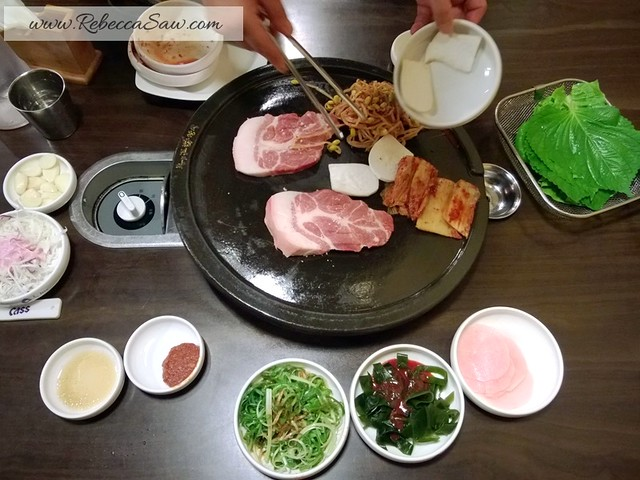 review - Jeju Island - Local food - Black Pork Heuk Dwaeji Street -010