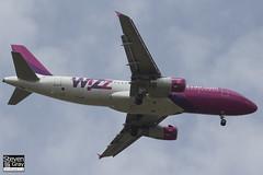 HA-LPJ - 3127 - Wizzair - Airbus A320-233 - Luton - 2013 - Steven Gray - IMG_7495