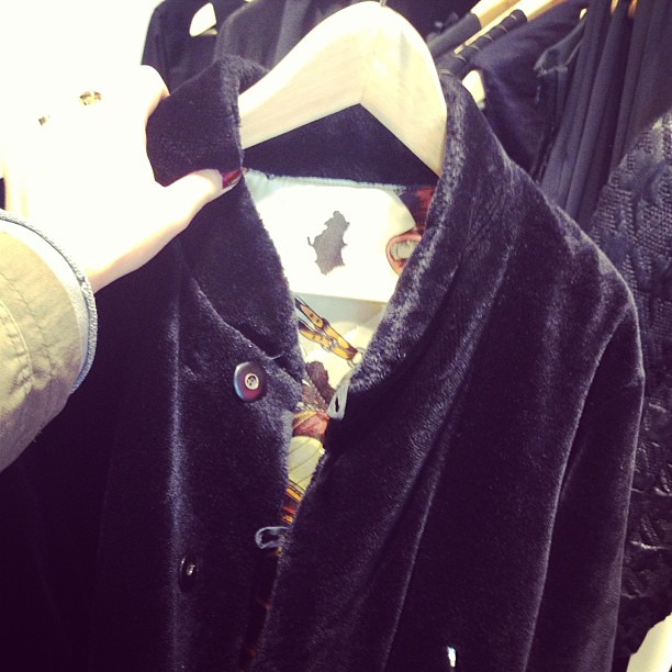 Happy #shopping at designer vintage boutique L'Alchimiste in #Oostende. It's voluptuous, black fake teddy fur and a bomber jacket. So FF'13 :-)! #yourlbb #fashion #loveOostende