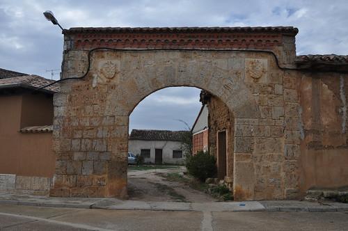 Palacios de Riopisuerga (Burgos). Portalón