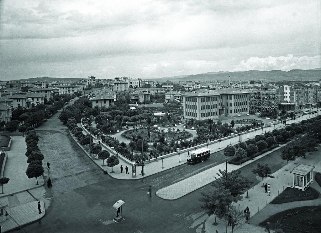 Atatürk Boulevard, General Directorate of Turkish Red Crescent (Kızılay Genel Müdürlüğü), 1940's