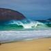 Un senderista grabando las orilleras en la Playa de las Conchas - Isla de La Graciosa, Canarias by Andreas Weibel
