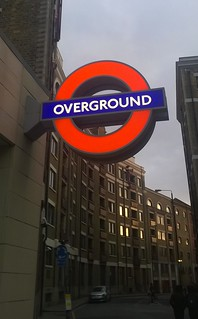Wapping Overground station sign