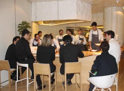 Josean Alija se reúne con I+D, cocina y sala para la prueba de la nueva carta